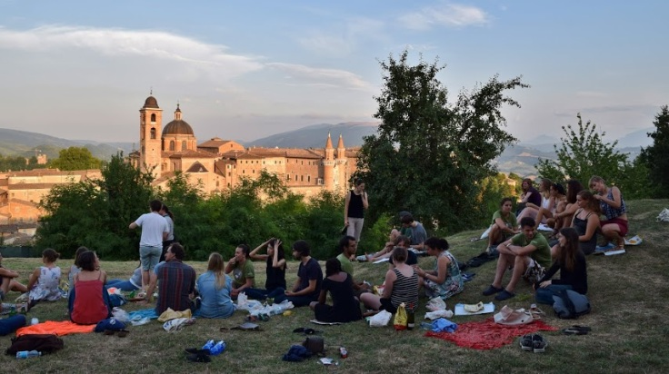 Picnic overlooking Urbino on the last day (Photo: Michiel Baatsen)